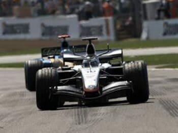 最速誇るマクラーレン、その速さの「秘密」とは。<Number Web> photograph by Hiroshi Kaneko