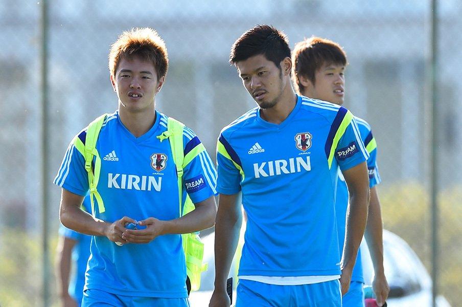 2014年、ブラジルW杯での日本代表の合宿地イトゥの練習場での齋藤、山口、酒井(宏)。彼らが行動で示した「誓い」が初めて明かされる。