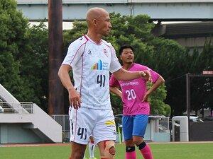 """土屋征夫43歳、今も""""J5""""で現役。「親子対決、真剣勝負で行くよ」"""