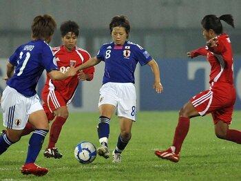 準決勝で豪州に勝てばW杯出場決定!!美しくも強い、なでしこサッカー。<Number Web> photograph by Mutsuko Yamasaki
