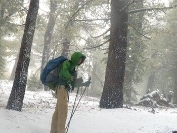 5月の雪と初めてのヒッチハイク……。「まさか」の連続と出会っていく。<Number Web> photograph by Yusuke Ide