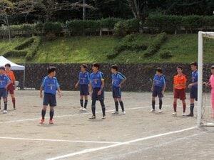 """高校サッカー、8人で11人に勝った""""奇跡のチーム""""「ってか、フォーメーションどうすんの?」"""