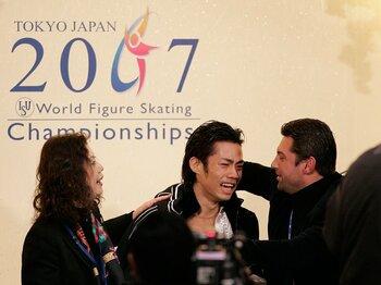 モロゾフが再び高橋大輔の元に――。衝撃のチーム再結成の真相とは? <Number Web> photograph by Takuya Sugiyama