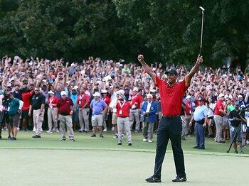 ウッズの優勝はすべての人の記憶に。5年分の期待と歓喜が詰まった1日。<Number Web> photograph by Getty Images