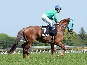 騎手とファンを悩ませる、ムチの使用制限と油断騎乗。~JRAに根付いた競馬観の功罪~<Number Web> photograph by NIKKAN SPORTS