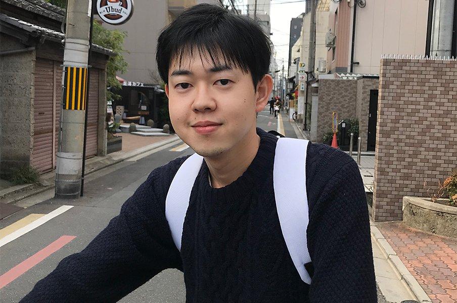 かるた界に誕生した異端の新名人。粂原圭太郎が語る伝統への挑戦。<Number Web> photograph by Jun Ikushima