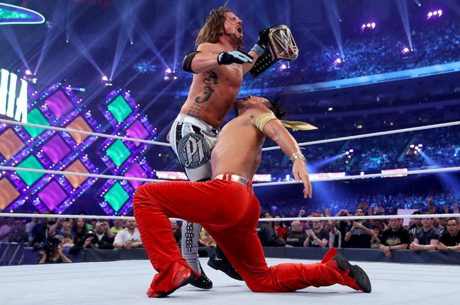 """中邑真輔""""第三形態""""で王座再挑戦。長州、蝶野、内藤と同じヒール転向。<Number Web> photograph by (C)2018 WWE, Inc. All Rights Reserved."""