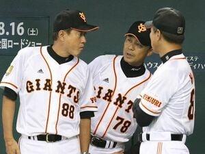 """落合博満「絶対に動くな!」、原辰徳「原点は100%親父」 両監督を知る""""参謀""""が落合野球と原野球を比べると…"""
