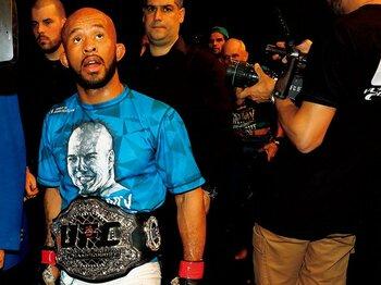 "UFC王者が語った日本のMMAの未来。~""サイヤ人級""最強男のアジア論~<Number Web> photograph by Susumu Nagao"