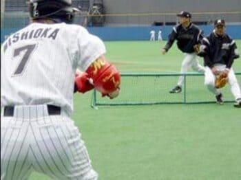 「走れ!千葉ロッテ」〜高橋慶彦の挑戦〜<Number Web> photograph by Shoichi Hasegawa