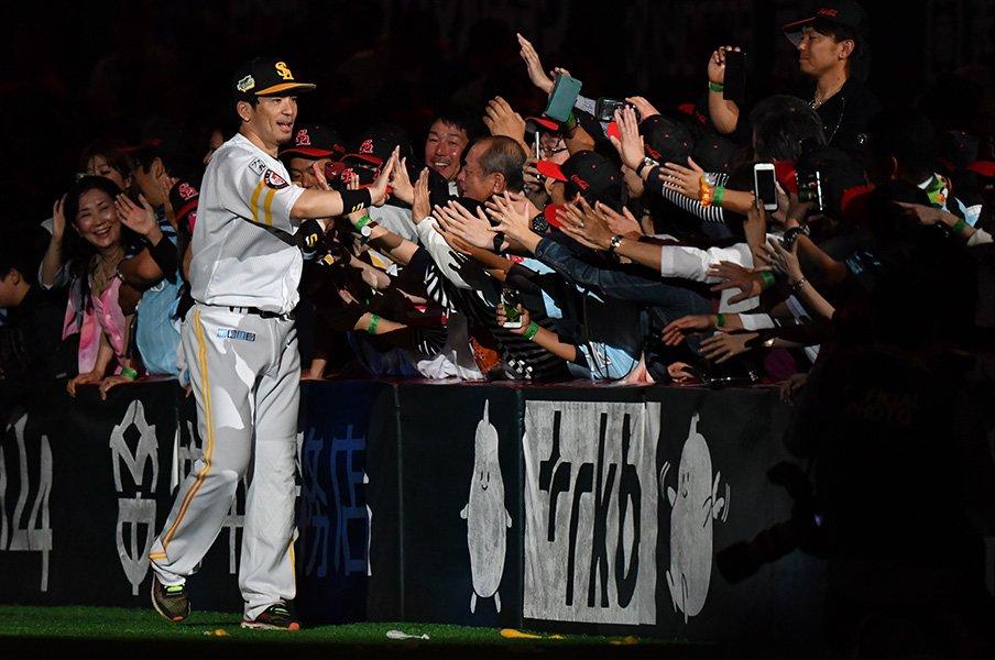 球場の動員力アップ。~1試合平均3万人超えは歴代最高~<Number Web> photograph by Hideki Sugiyama