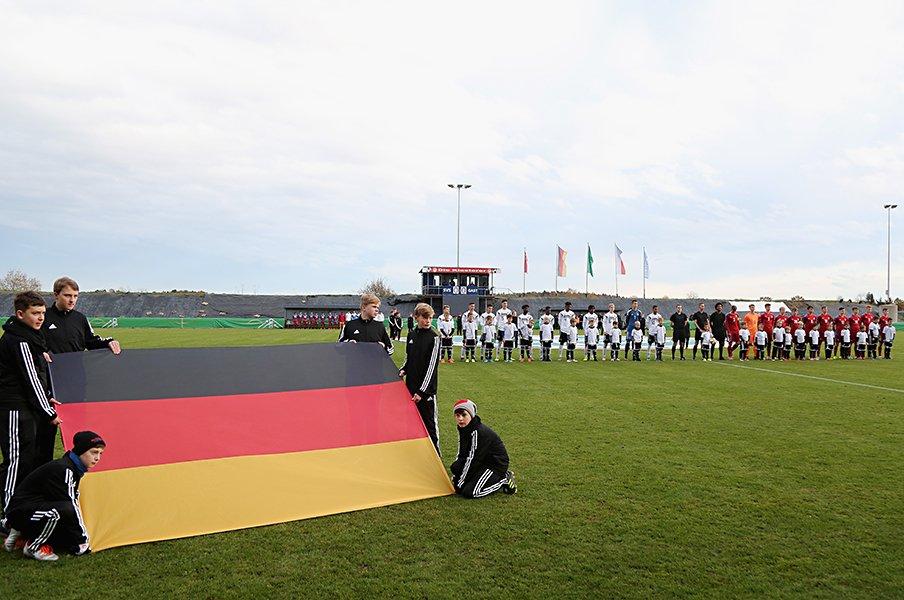 「ミスありき」で社会が回るドイツ。サッカーにも繋がる自立性と考え方。<Number Web> photograph by Getty Images