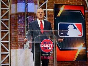 オーナーの意向とコミッショナー。MLB版「三方一両損」を提案する。