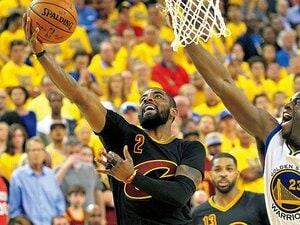 病院のベッドから大舞台へ、無念を晴らしたアービング。~NBAファイナルを決める3Pを打った男の1年間~
