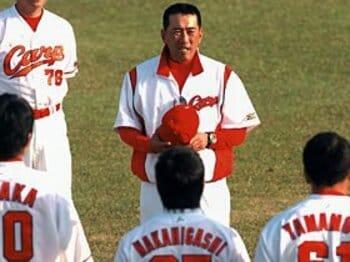 """生え抜きスターが監督に。野村謙二郎が見せた潔さ。~来季の広島は""""脱ブラウン""""~<Number Web> photograph by NIKKAN SPORTS"""