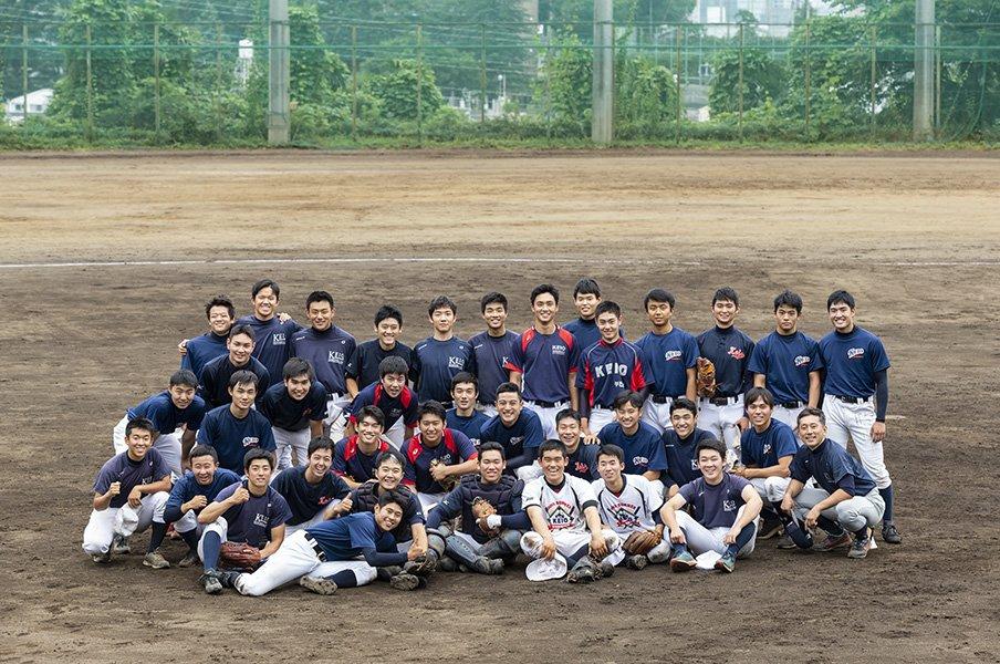 慶應高校野球部の独自システム。大学生が高校生を教え、後に監督に。<Number Web> photograph by Manami Takahashi