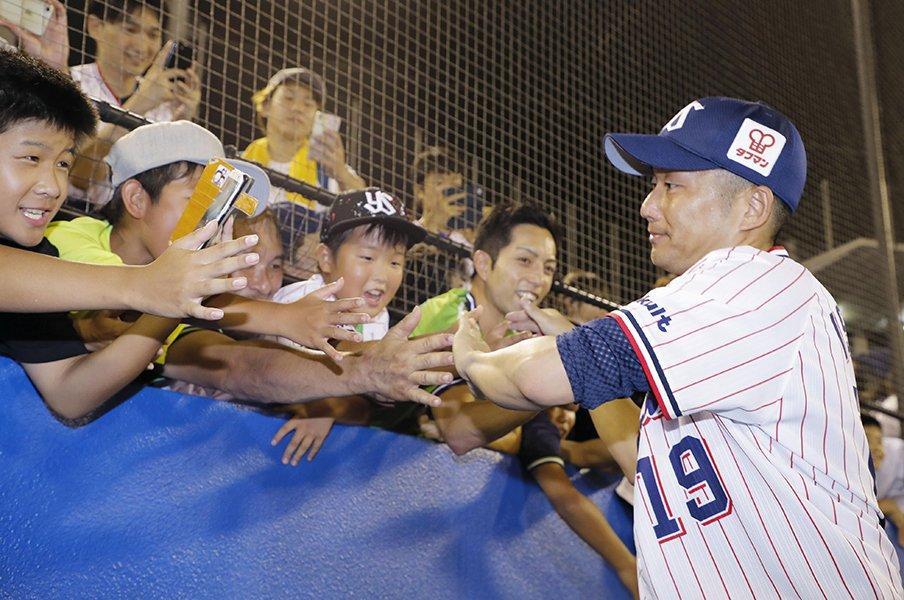 """""""令和初の名球会""""は坂本か藤川か。石川雅規が40歳で挑む、あと29勝。<Number Web> photograph by Kyodo News"""