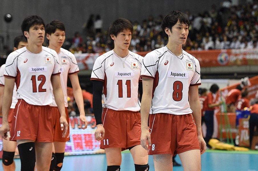 「東京五輪でメダル」は絵空事か。男子バレーの強化が今夏もなし!?<Number Web> photograph by AFLO