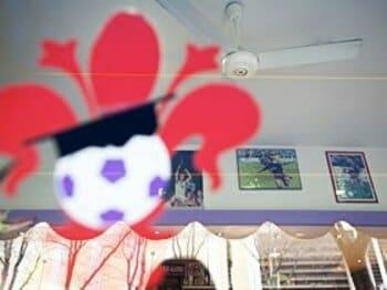 バール『マリーザ』に飾られているルイ・コスタとバティの写真