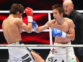 GLORY65kg級で見せた日本人の底力。~久保優太、立ち技世界王者に~<Number Web> photograph by Susumu Nagao