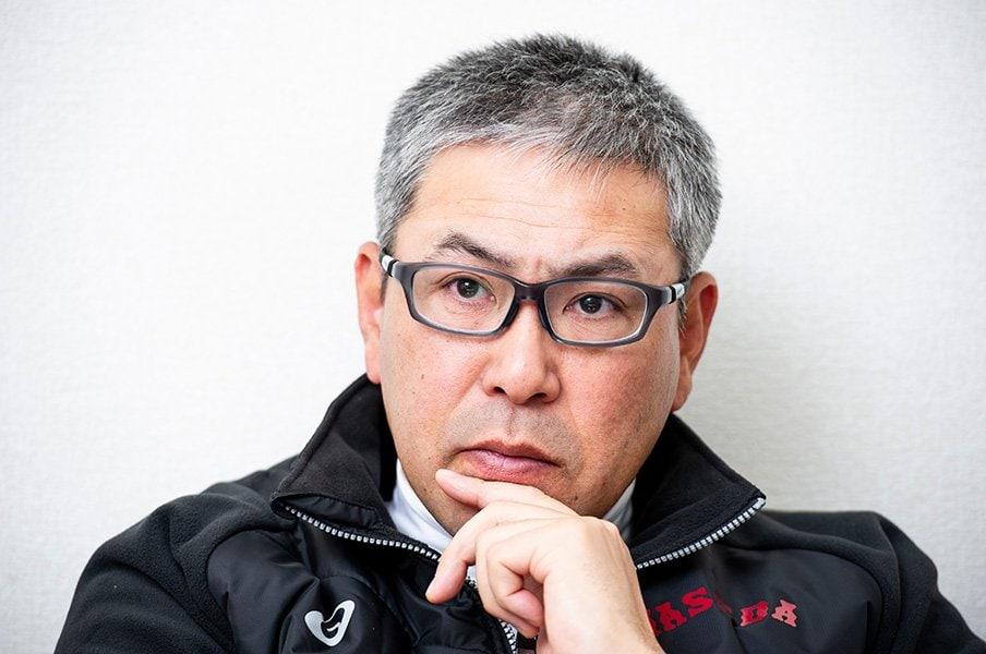 六大学野球で大真面目に妄想する。小宮山監督がベースコーチなら……。<Number Web> photograph by Yuki Suenaga