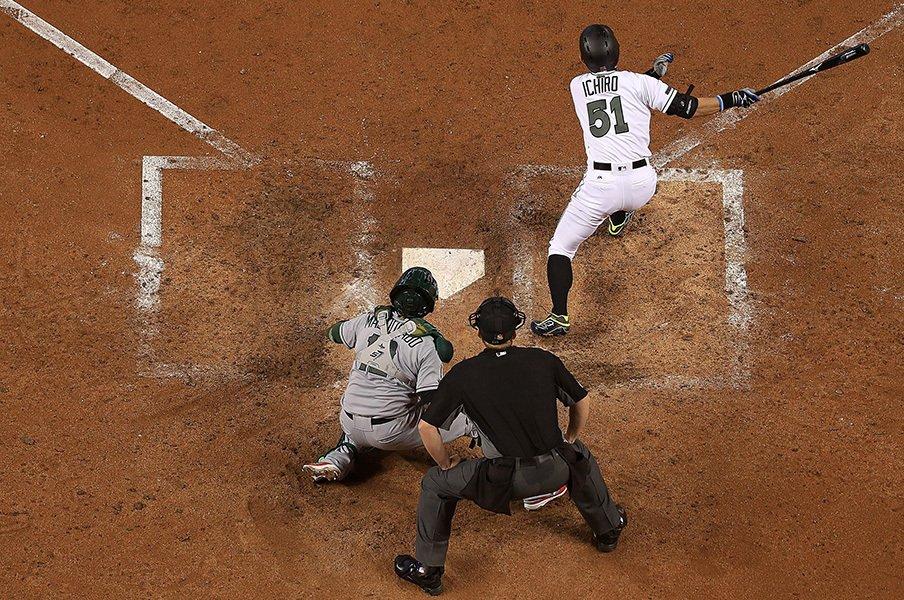 自身最長の14試合スタメン無しも……。代打で活躍して逆襲のイチローに!<Number Web> photograph by Getty Images