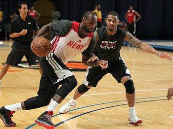 今季NBAがいよいよ開幕。王者ヒートの対抗馬は?~3連覇阻止へ燃える男たち~<Number Web> photograph by Getty Images