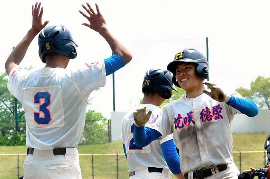埼玉・花咲徳栄の野村佑希は化物か。高校野球ミレニアム世代にまた1人。<Number Web> photograph by Asahi Shimbun