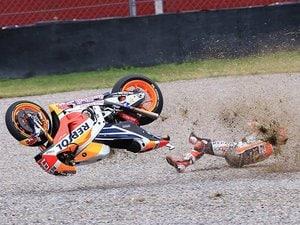 """マルケスの走りは""""勝利 or 転倒""""。MotoGP序盤の番狂わせを検証する。"""