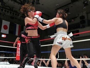 意外な形で実現した、女子格闘技界の頂上決戦!<Number Web> photograph by Susumu Nagao