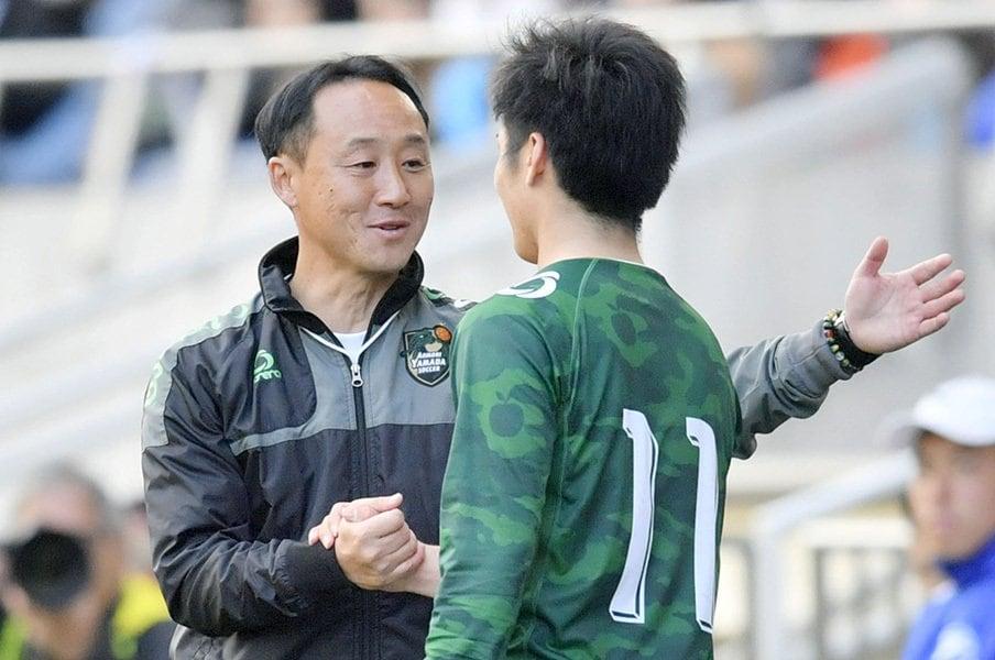 黒田剛監督は、25歳で監督に就任して20年以上青森山田一筋。多くのJリーガーを輩出し、名門としての地位を築き上げた張本人だ。