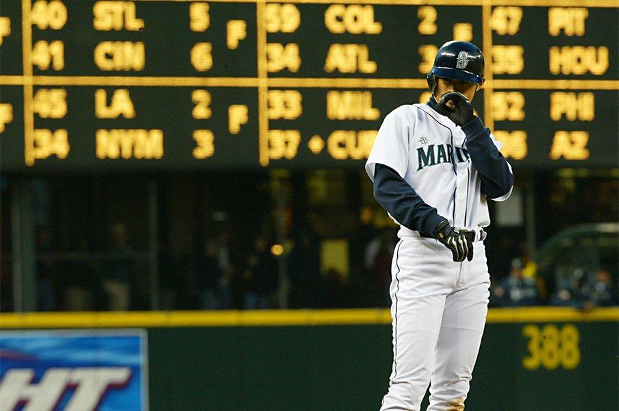 イチローがボストンをざわつかせた日。「あるべきベースボール」の意味。<Number Web> photograph by Naoya Sanuki