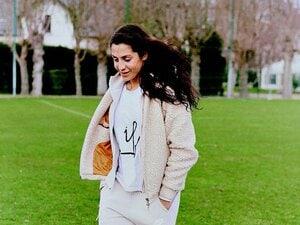 アフガン出身、父暗殺、そして医者に。偉大な女性サッカー選手の数奇な人生。