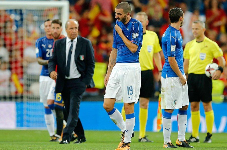 解説者ザックがイタリア代表に嘆き。「チームとして評価にも値しない」<Number Web> photograph by AFLO