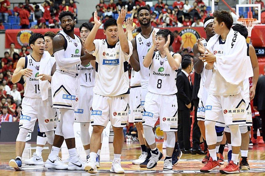 琉球はBリーグの地域格差を覆すか。全国から選手、監督が集まる理由。<Number Web> photograph by Kyodo News