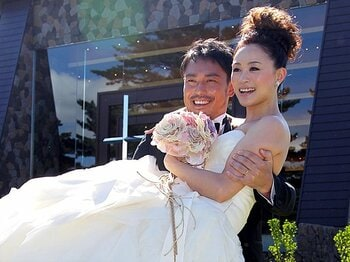 <THE DAY 2010> 上村愛子 「もう一つの夢をかなえた日」 ~9月26日:皆川賢太郎との挙式を終えて~<Number Web> photograph by Shino Seki