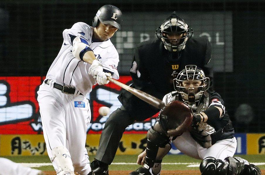和田一浩「練習と同じにすれば?」西武・栗山巧の復調にあった助言。<Number Web> photograph by Kyodo News