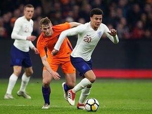 イングランドの3-4-1-2が結構強い。長期計画のスタイル変更が遂に実る。