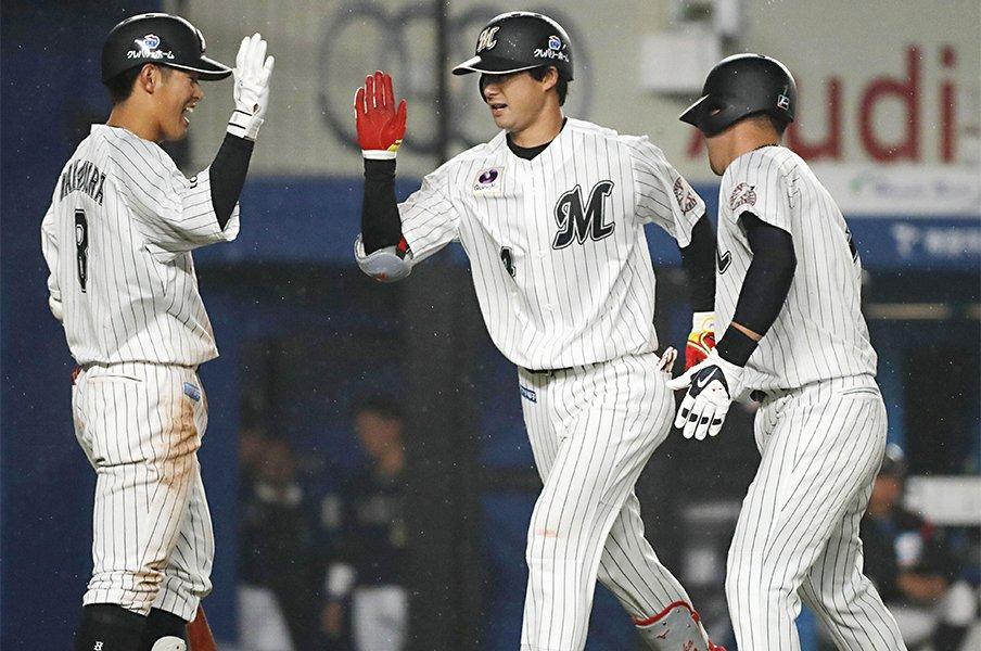 ロッテ二遊間に漂う名コンビの予感。中村奨吾と組む藤岡裕大の特別さ。<Number Web> photograph by Kyodo News