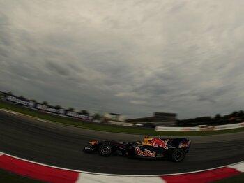 フェラーリとマクラーレンの大誤算。ベッテル楽勝を導いた、雨のセパン。<Number Web> photograph by Hiroshi Kaneko