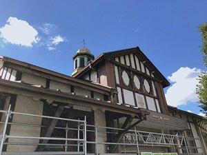 ついに取り壊し、原宿駅の木造駅舎はどうなるのか? オリンピックに翻弄された若者の聖地の過去と今