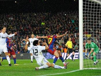 5対0の大差は、なぜ生まれたのか?バルサがモウリーニョを引き裂いた夜。<Number Web> photograph by Getty Images