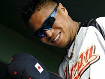 岩村明憲が愛する日本野球と演歌の心。<Number Web> photograph by Takuya Sugiyama