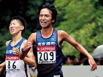 30歳の大学1年生、渡邊和也が迎えるはじめての箱根駅伝。~予選会のタイムは東京国際大の9番目~<Number Web> photograph by AFLO