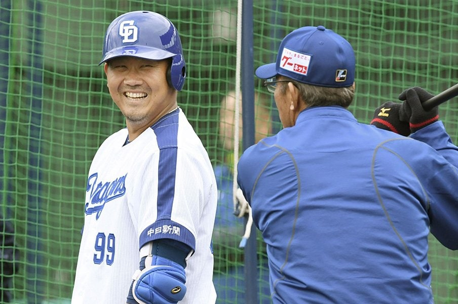 「サク越え」を数える意味はあるか。元記者が伝えるキャンプ報道の裏側。<Number Web> photograph by Kyodo News