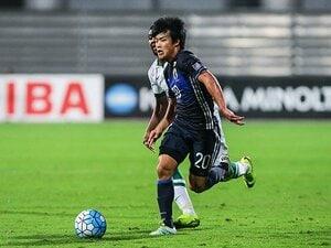 U-19岩崎悠人は劣悪ピッチ大歓迎!土グラウンドで磨いた俊足、粘り腰。