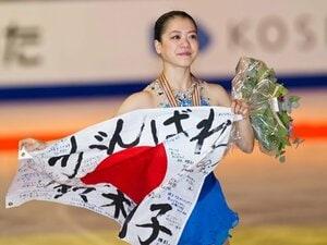 鈴木らベテラン勢が表彰台を独占。世界フィギュア女子、激闘の裏側。