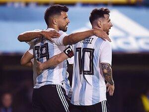 メッシに脅迫で試合中止、主力離脱。アルゼンチンは混乱を越えてW杯へ。