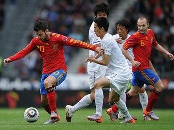 スペイン代表はパスを回せるのか?南アW杯の戦術的傾向を徹底検証。<Number Web> photograph by Getty Images