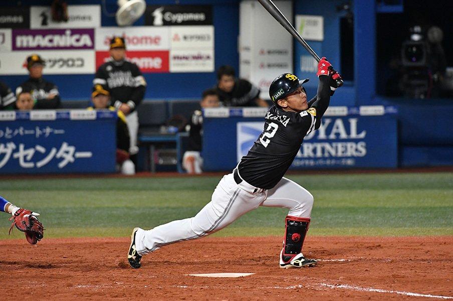 工藤監督は、今宮健太の話がしたい。右打ちをやめ、取り戻した打の意識。<Number Web> photograph by Hideki Sugiyama